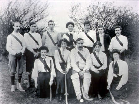 The Lee hockey club of 1916