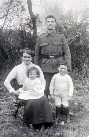 Arnold and Emily Morris with two children 1915